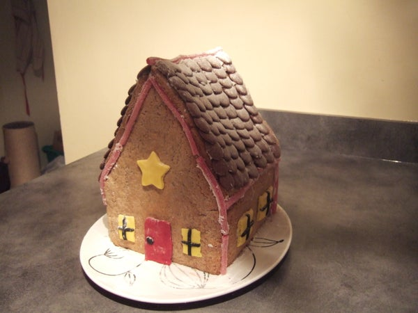 How to Decorate a Gingerbread House
