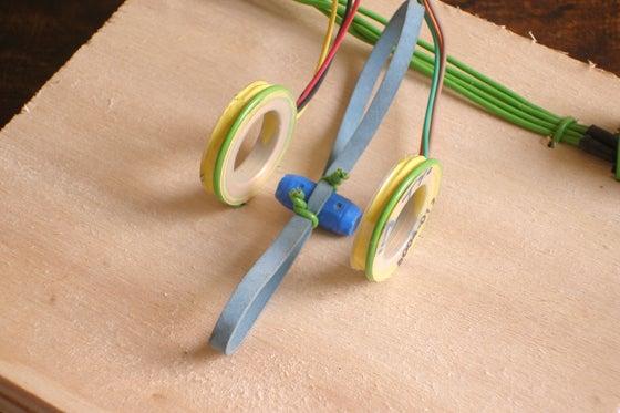 A Simple Mechanical Resonance Demonstrator
