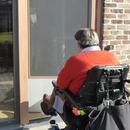 Insect Screen Door for Wheelchair User / Hordeur Voor Rolstoelgebruiker