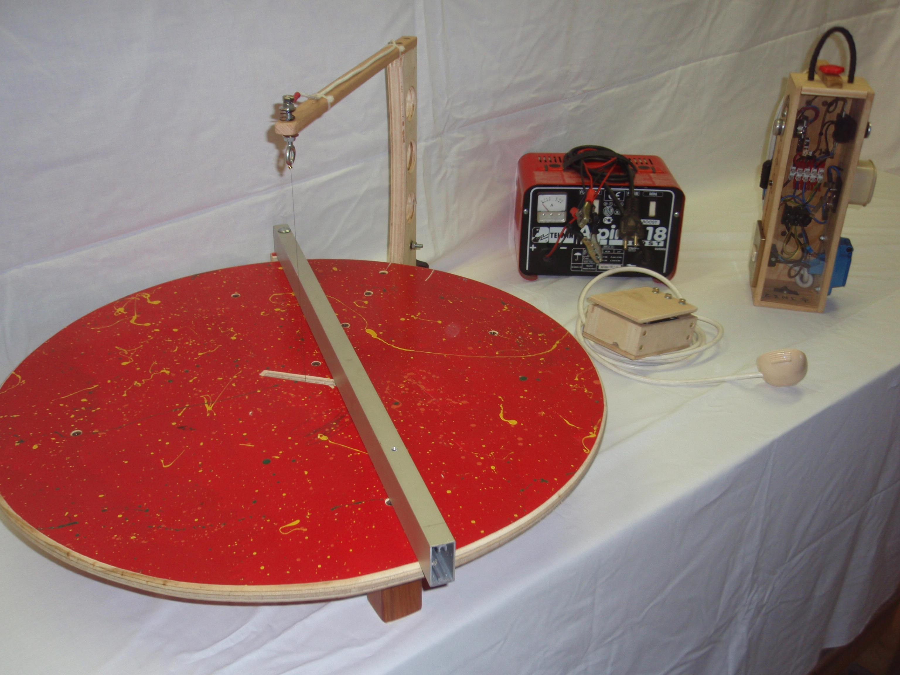 Adjustable Hotwire Foam Cutter with Fence