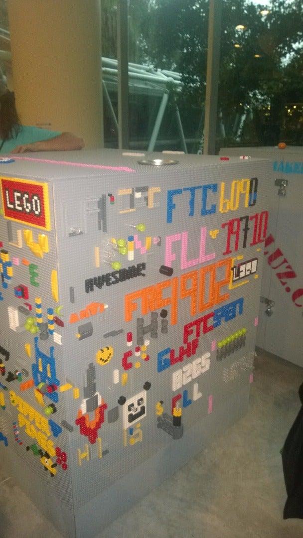 Graffiti Cube
