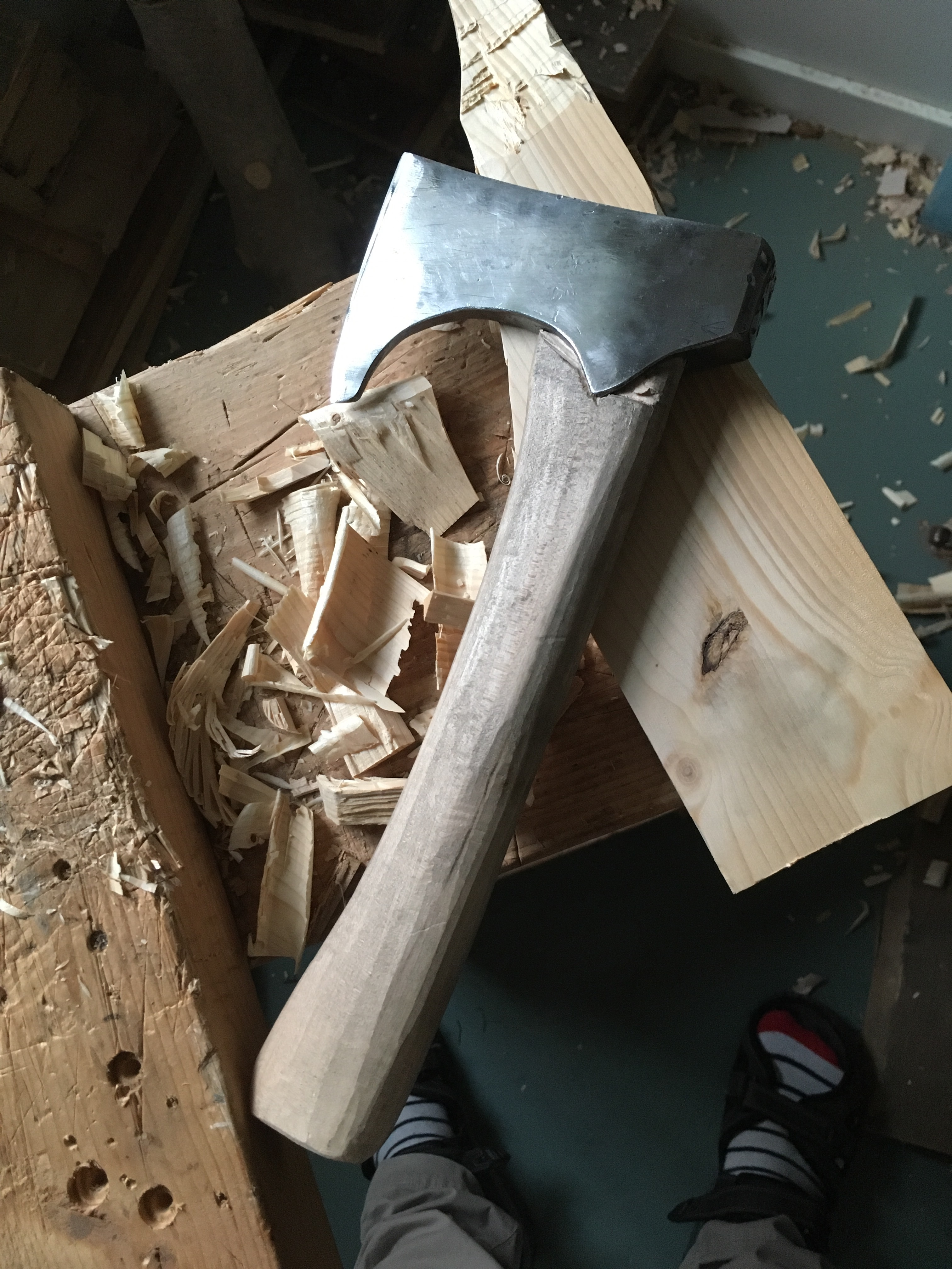 How to Make a Viking Style Axe From an Old Rusty Axe - No Forging