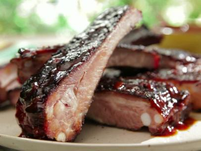 How to make Bobby Flays Barbecue Root Beer Ribs
