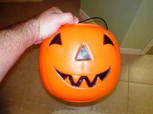 Halloween Solar Powered jack-o-lantern