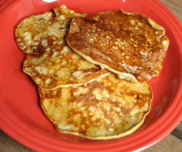 How to Make Banana Pancakes (Only 3 Ingredients)