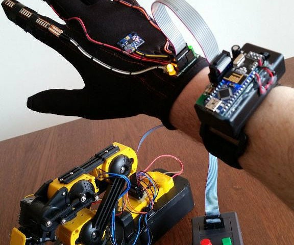 Wave Your Hand to Control OWI Robotic Arm... No Strings Attached