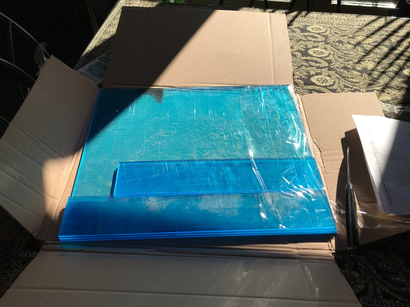 The Build - the Perspex Arrives