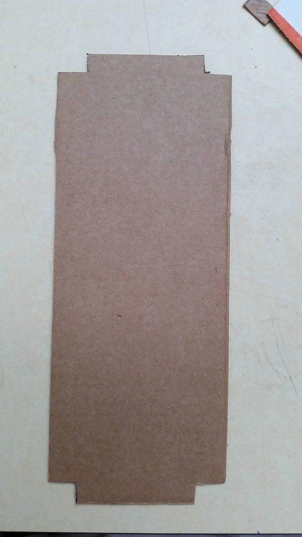 Cutting De Cardboard Pieces