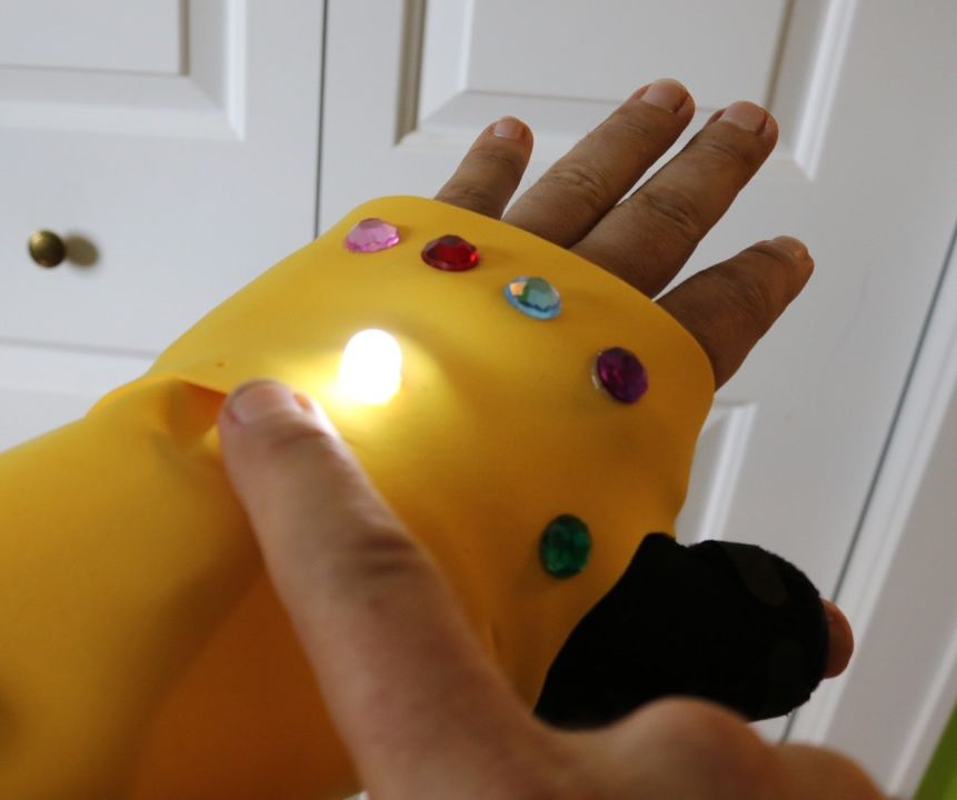 Infinity Gauntlet Cast Cover (Light-up)