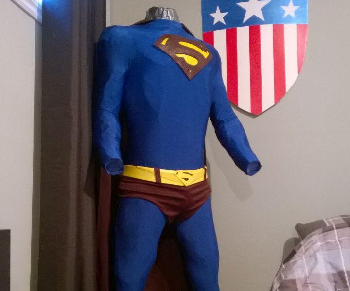 Superman Returns Display Suit