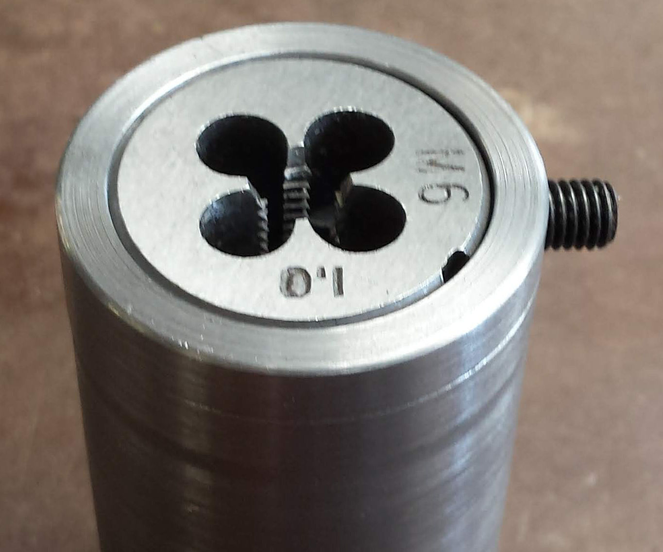 Cheap and Easy to Make Die Holder for the Mini Lathe