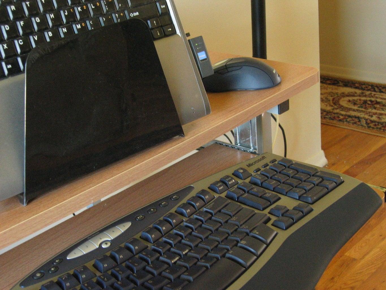 Inexpensive Laptop Stand  / Notebook to Desktop Convertor