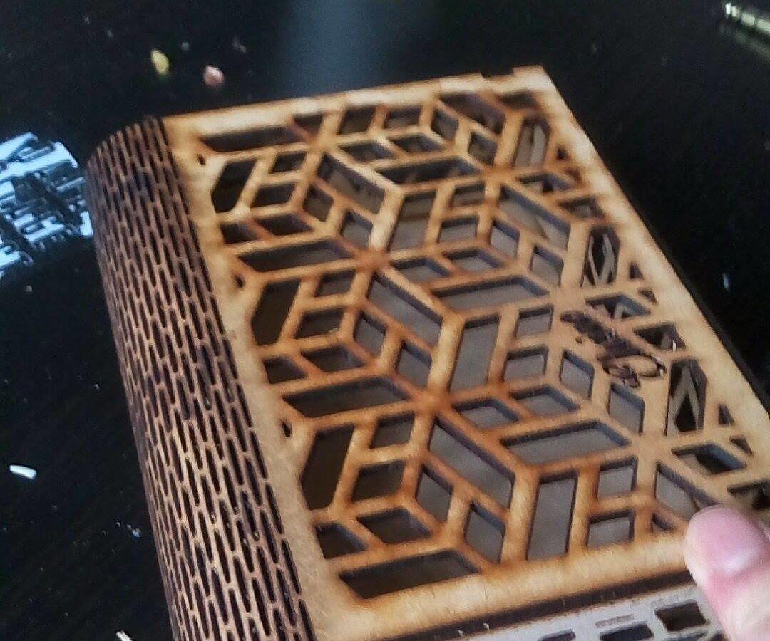 DIY Geometric Laser Cutting Box