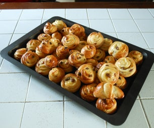 Girelle Alla Crema Pasticcera E Uvetta (Custard and Raisin Rolls)