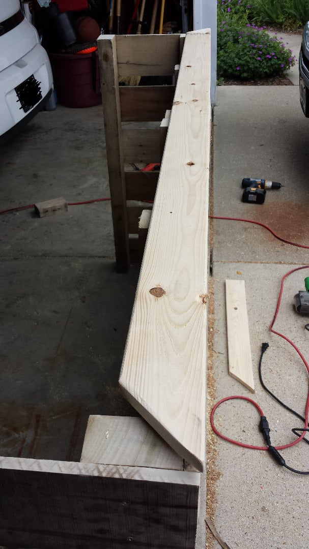 Attaching the Pallets