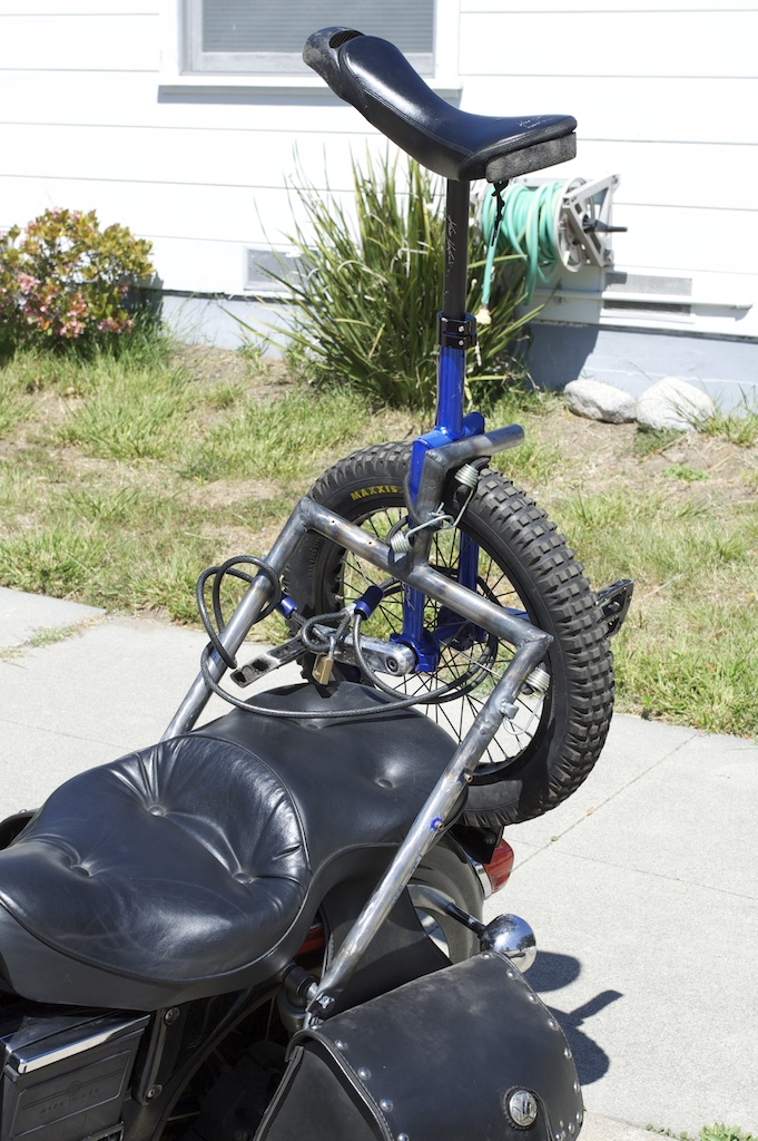 Unicycle rack for a motorcycle (the UniRack)