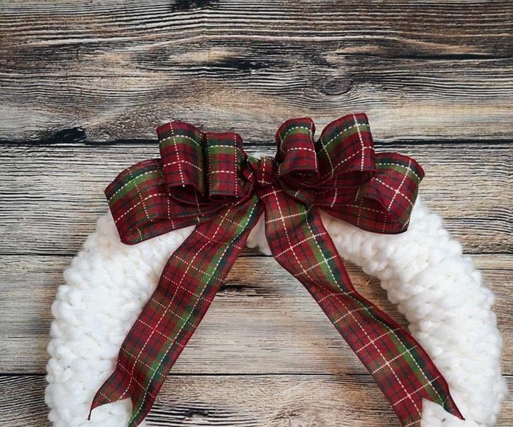 Finger Crochet Wreath