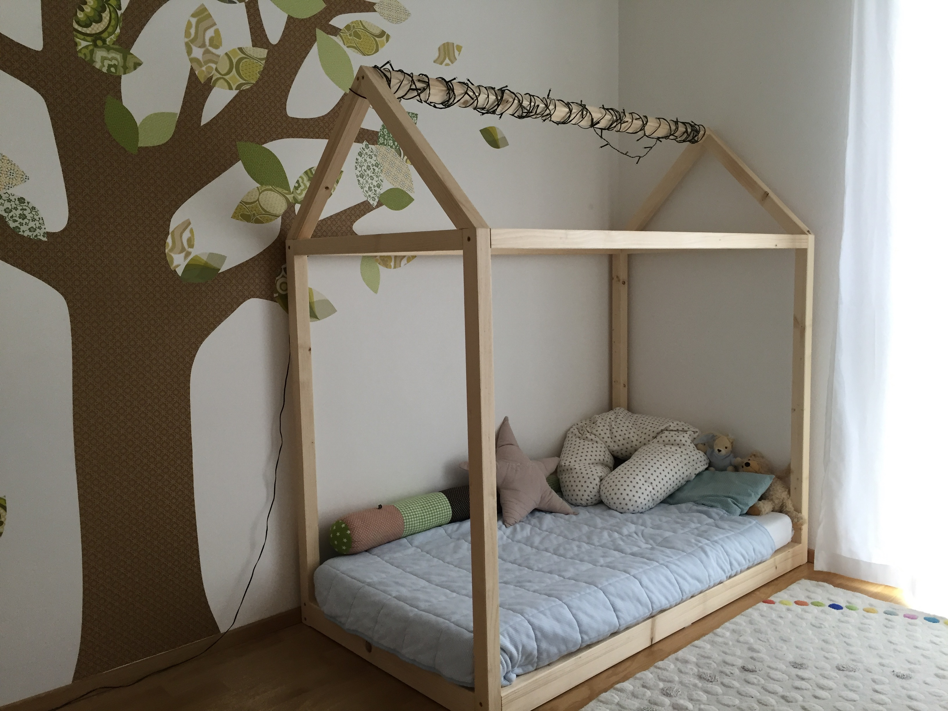 House Shaped Kid S Bed 7 Steps With Pictures Instructables