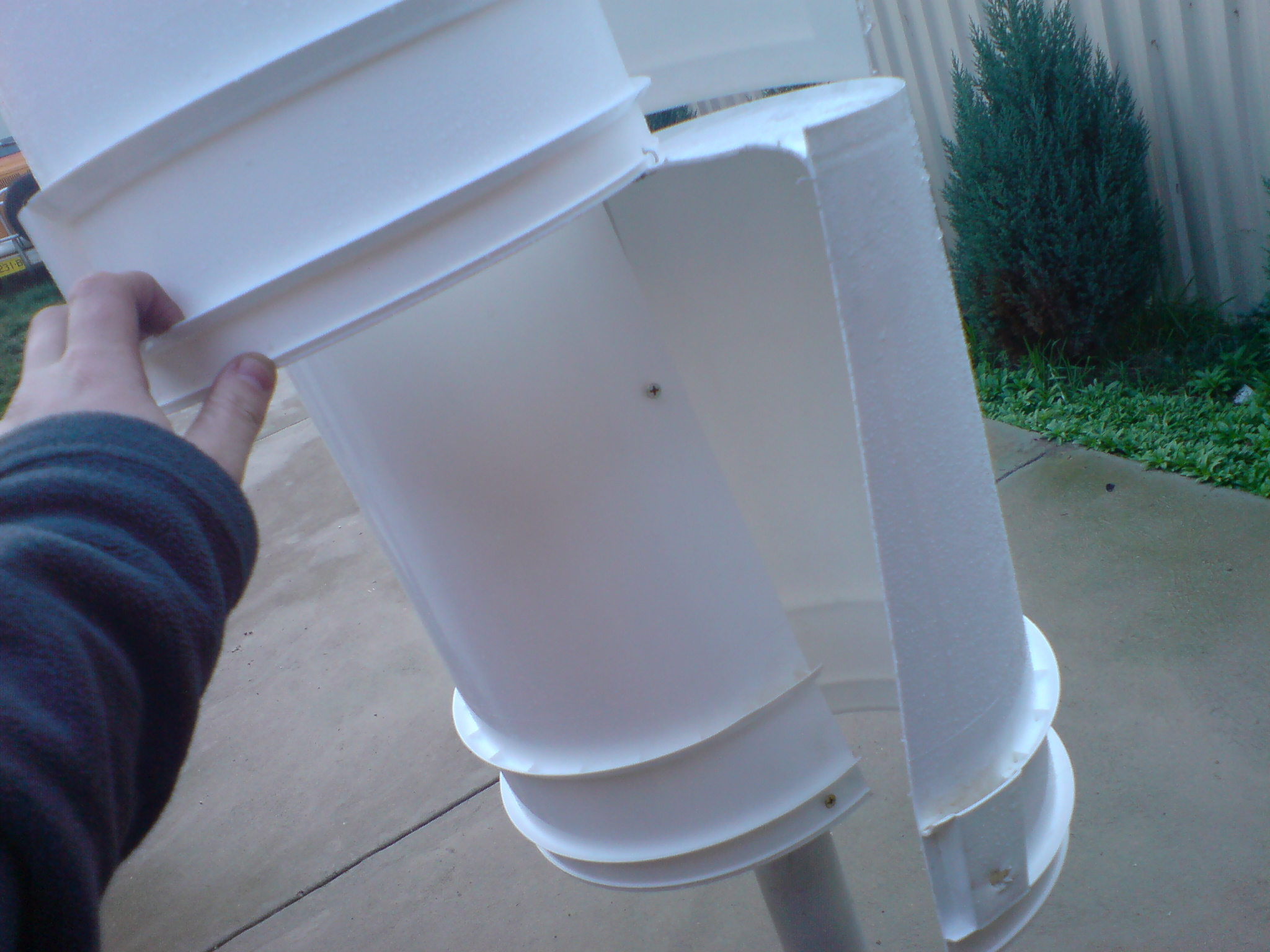 Build your own Savonius VAWT (Vertical Axis Wind Turbine)