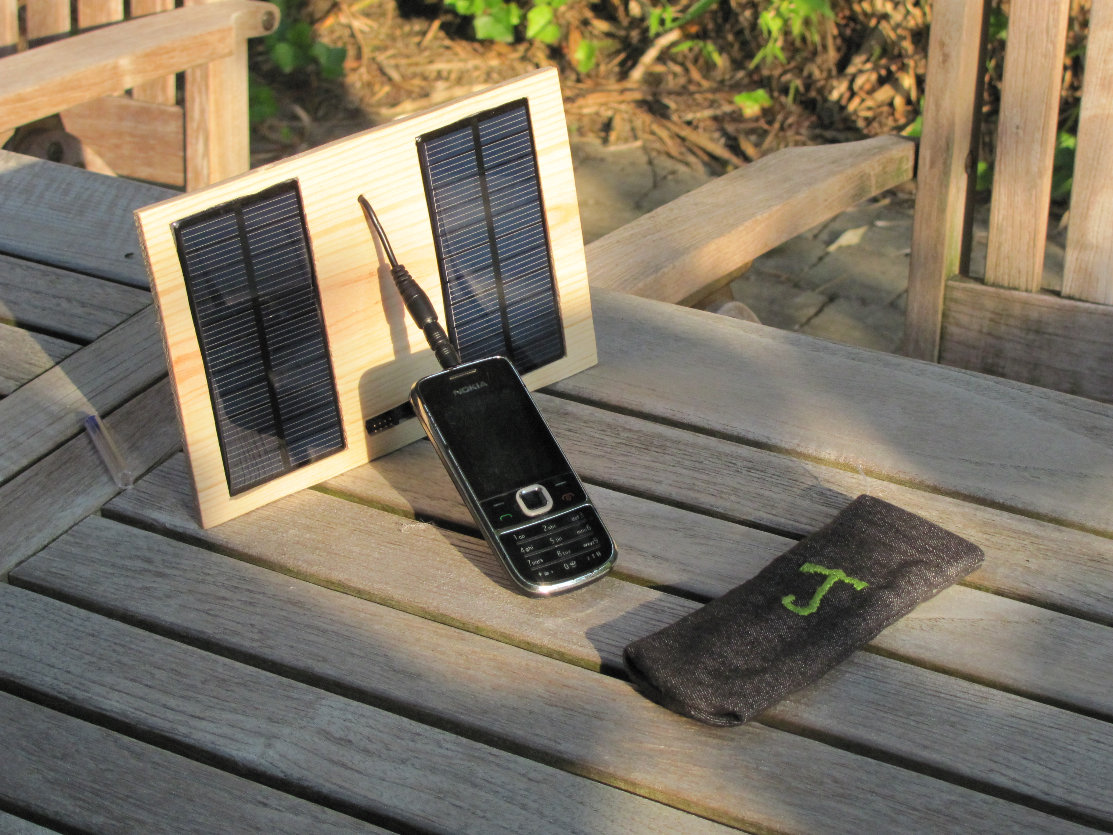 programmable solar charger