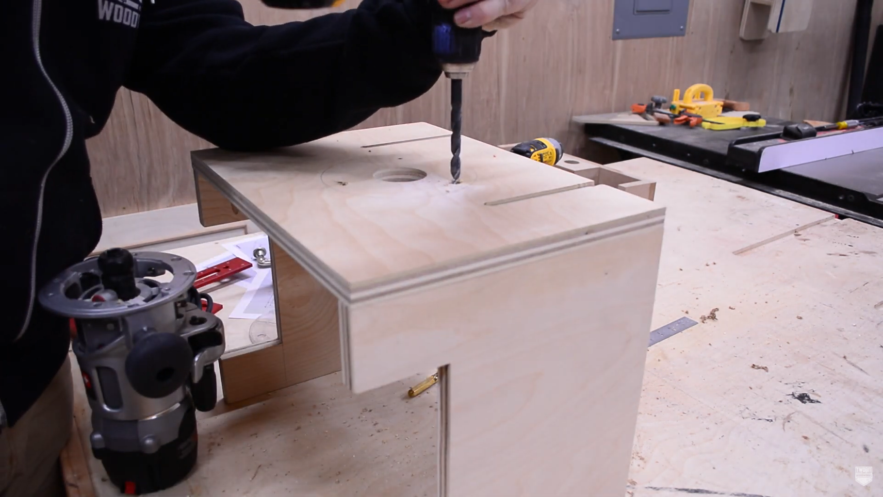 Mounting the Router