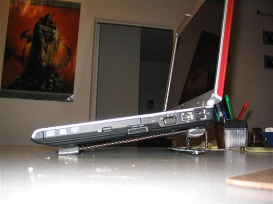 2 Dollars Laptop Stand