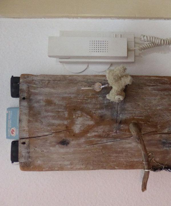 Wooden Magnetic Key Hanger