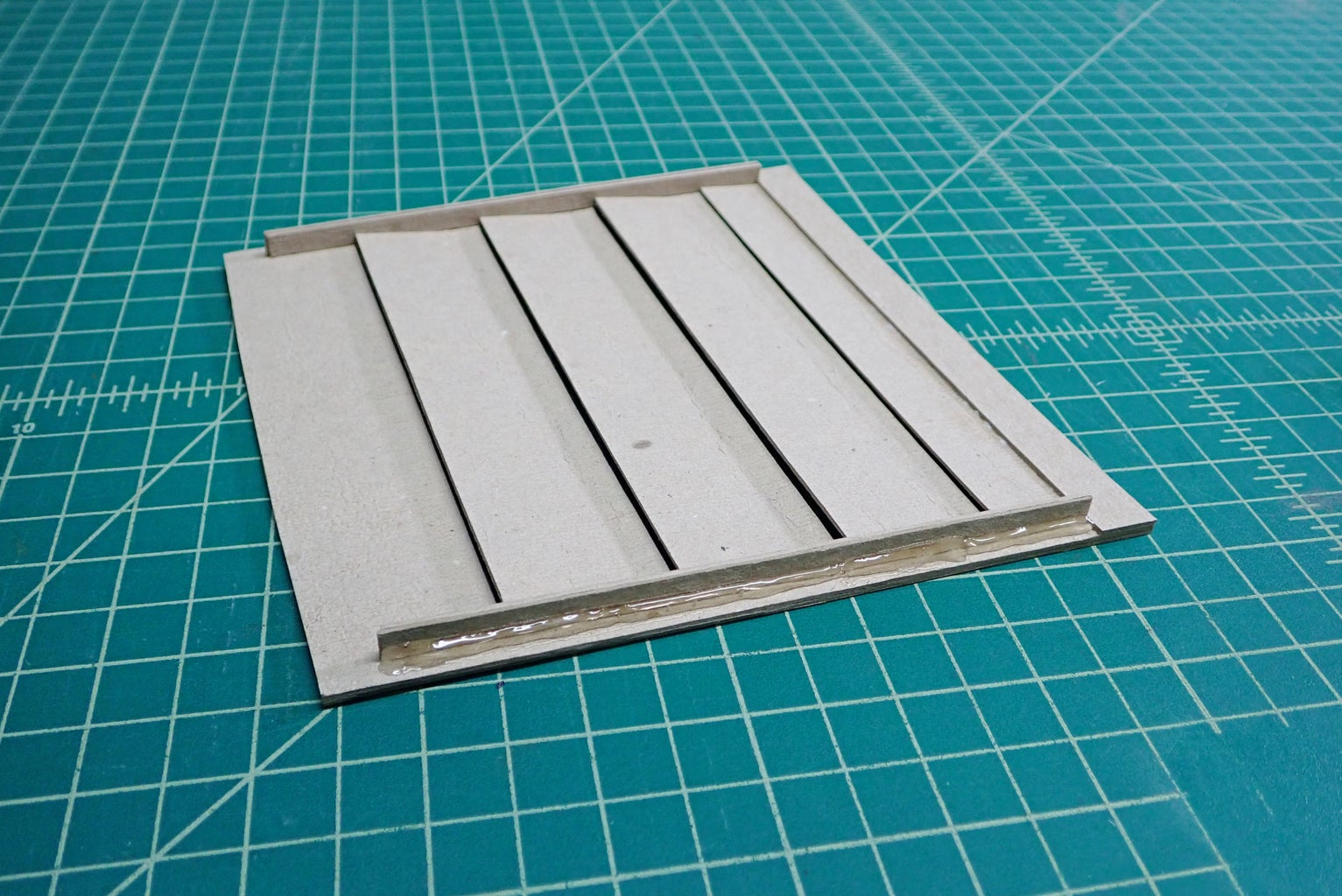 Louvered Rear Panel