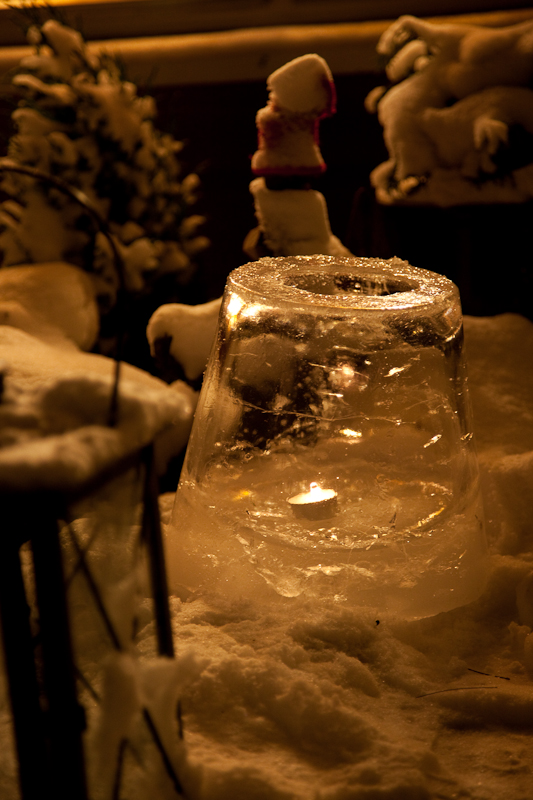 Make a fancy ice lantern using a bucket