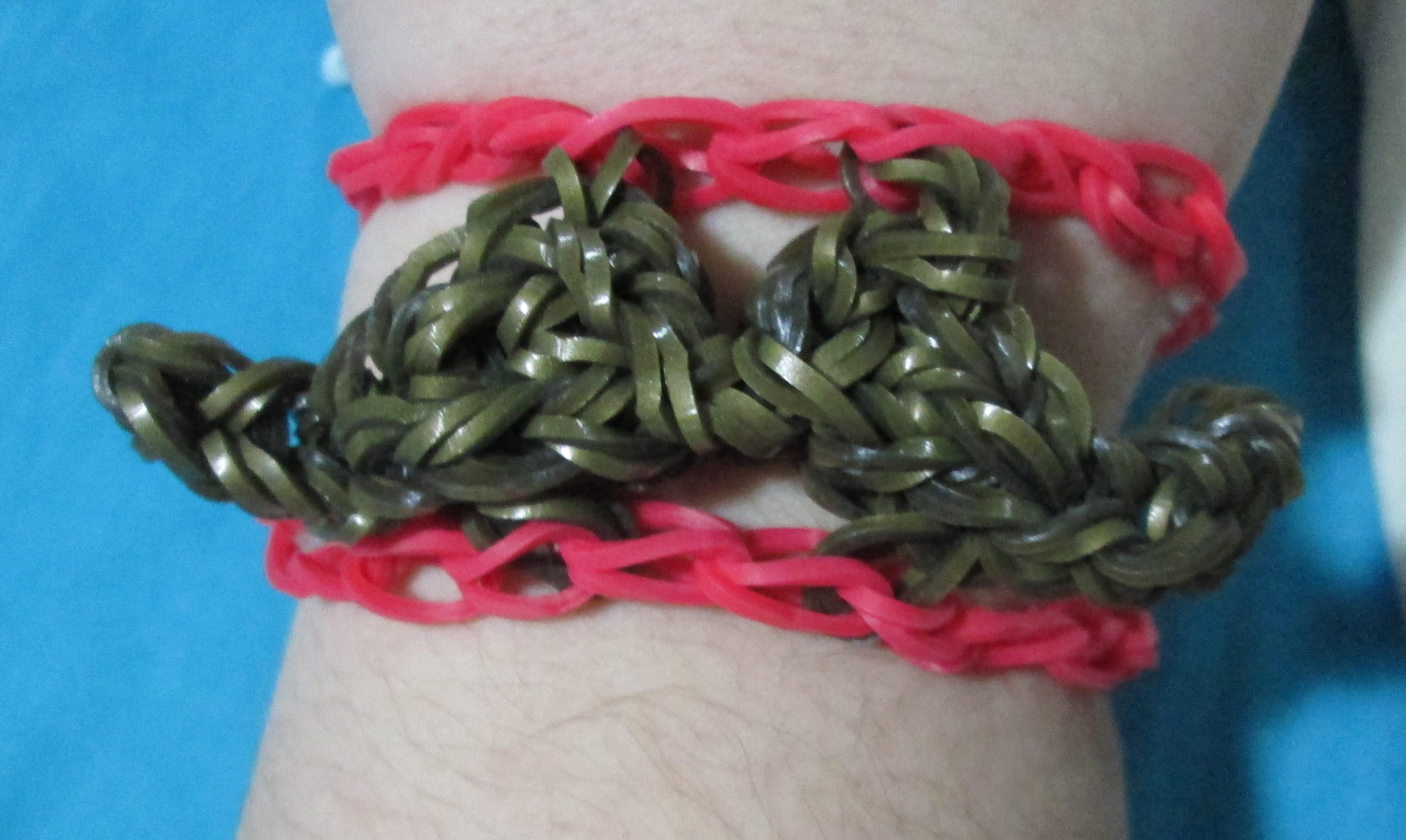 Large Mustache Bracelet—Rainbow Loom
