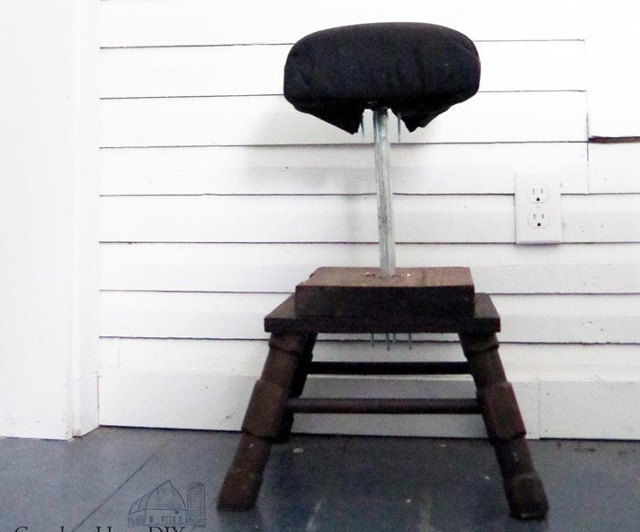 Workshop Stool: DIY Recycling Scrap Wood and Using Galvanized Pipe!