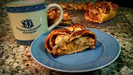 Vetekrans (Easy to Make Swedish Pastry)