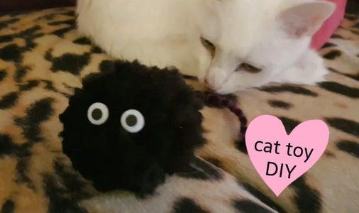 DIY Cat Toy (Pom Pom)