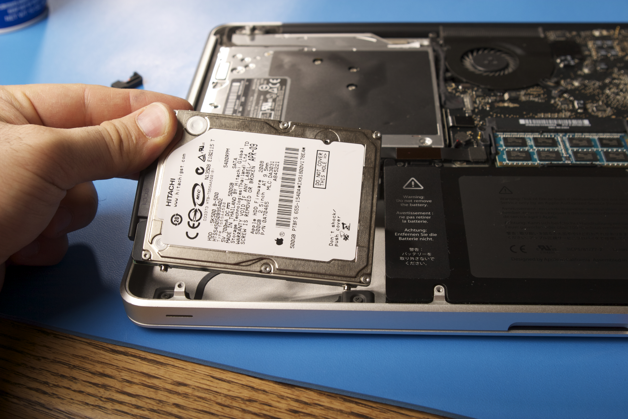 "Installing SSD (Solid State Drive) in your MacBook Pro 13"" or 15"" unibody"