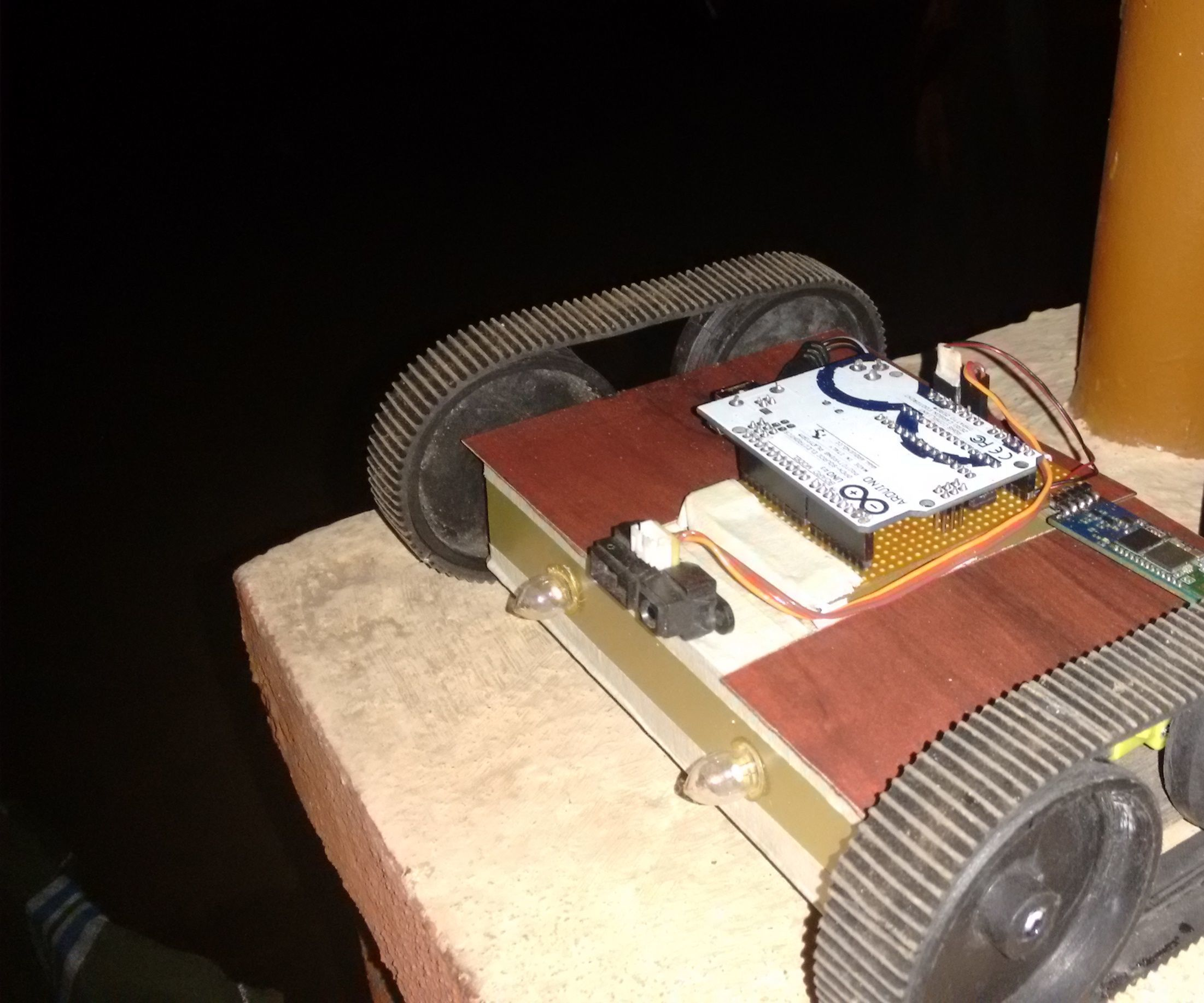Arduino IR Robot