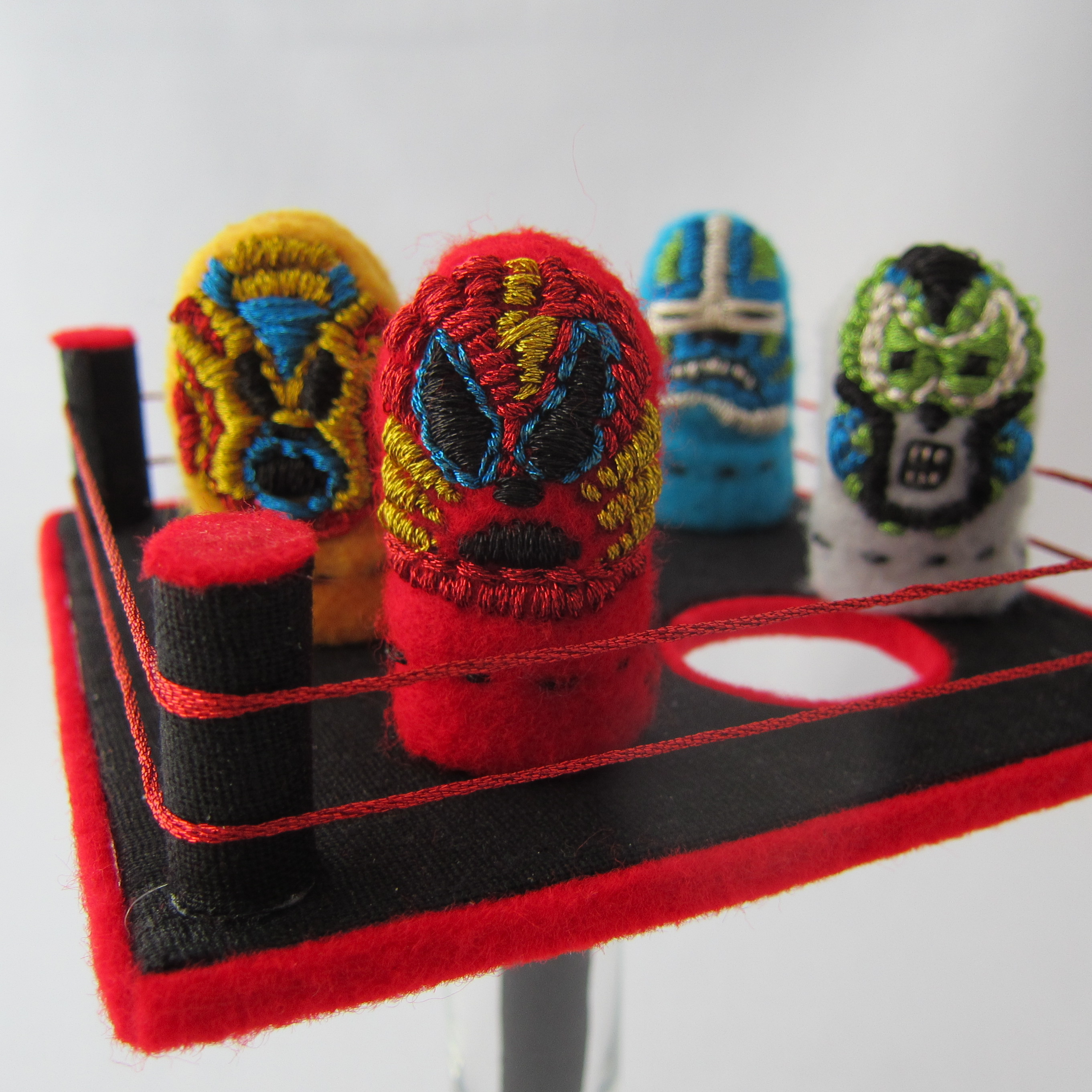 Mexican Thumb Wrestler Puppets and Arena