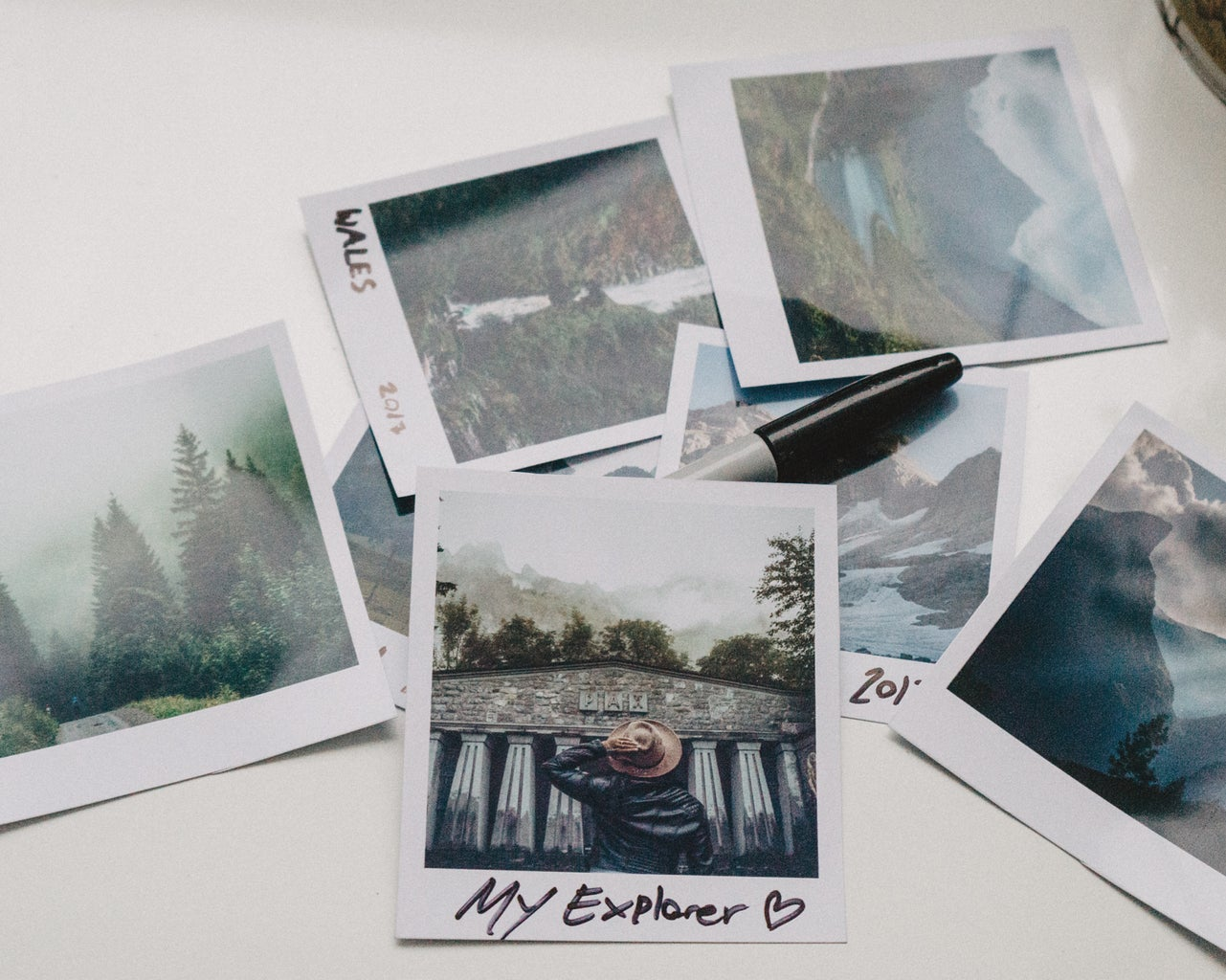 Make Your Own POLAROID Pictures in Under 10minutes!!! All Without a Polaroid Camera!!! Watch This Great Video!!!