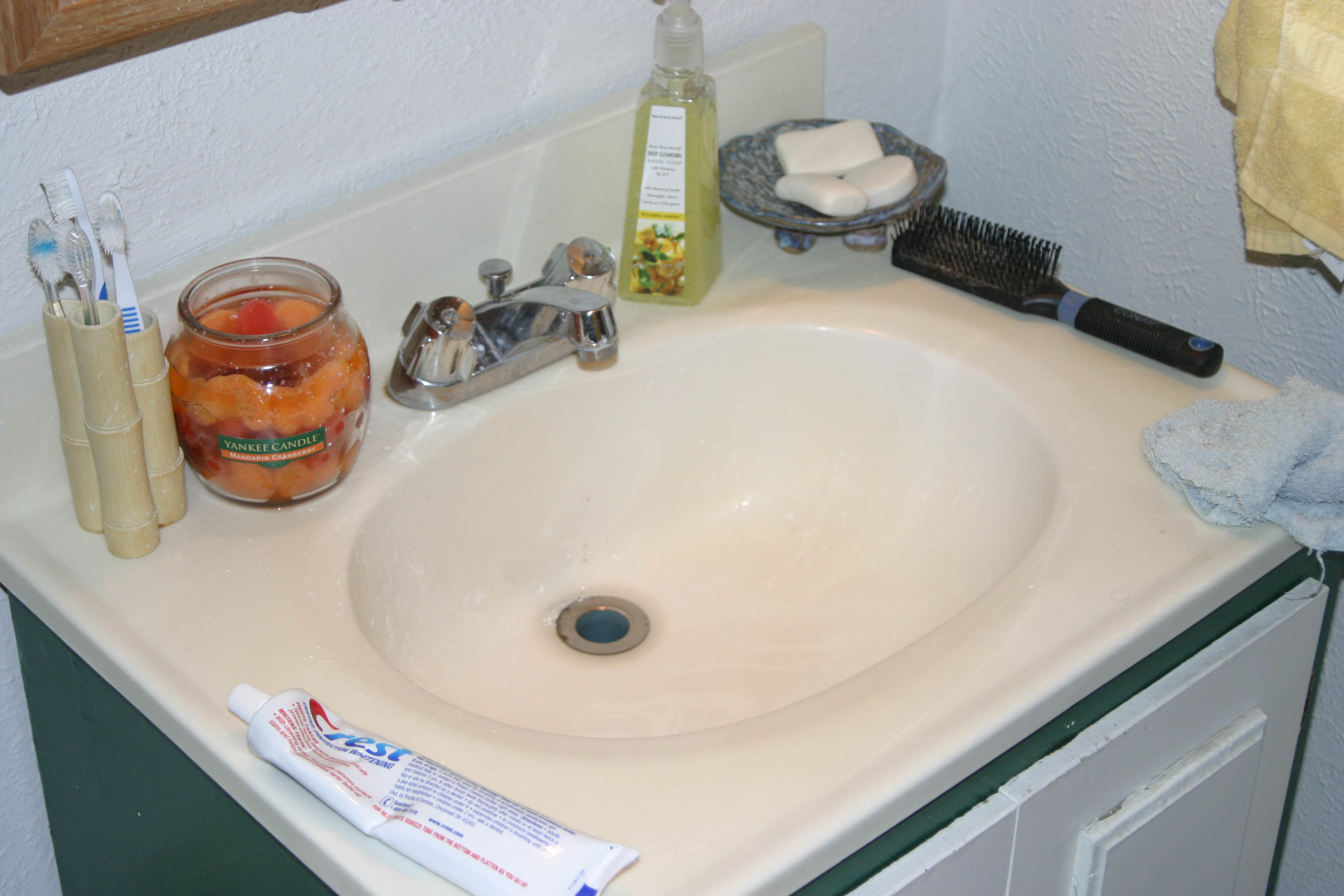 Clear a clogged drain with SCIENCE!!!