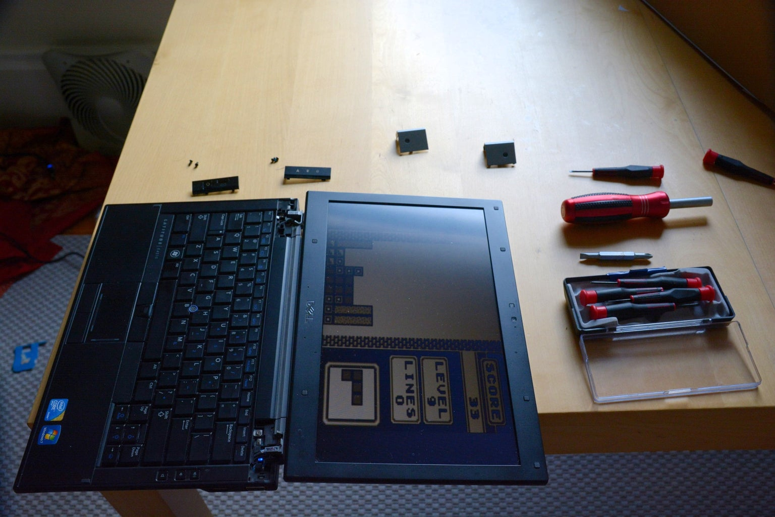 Mounting the Laptop