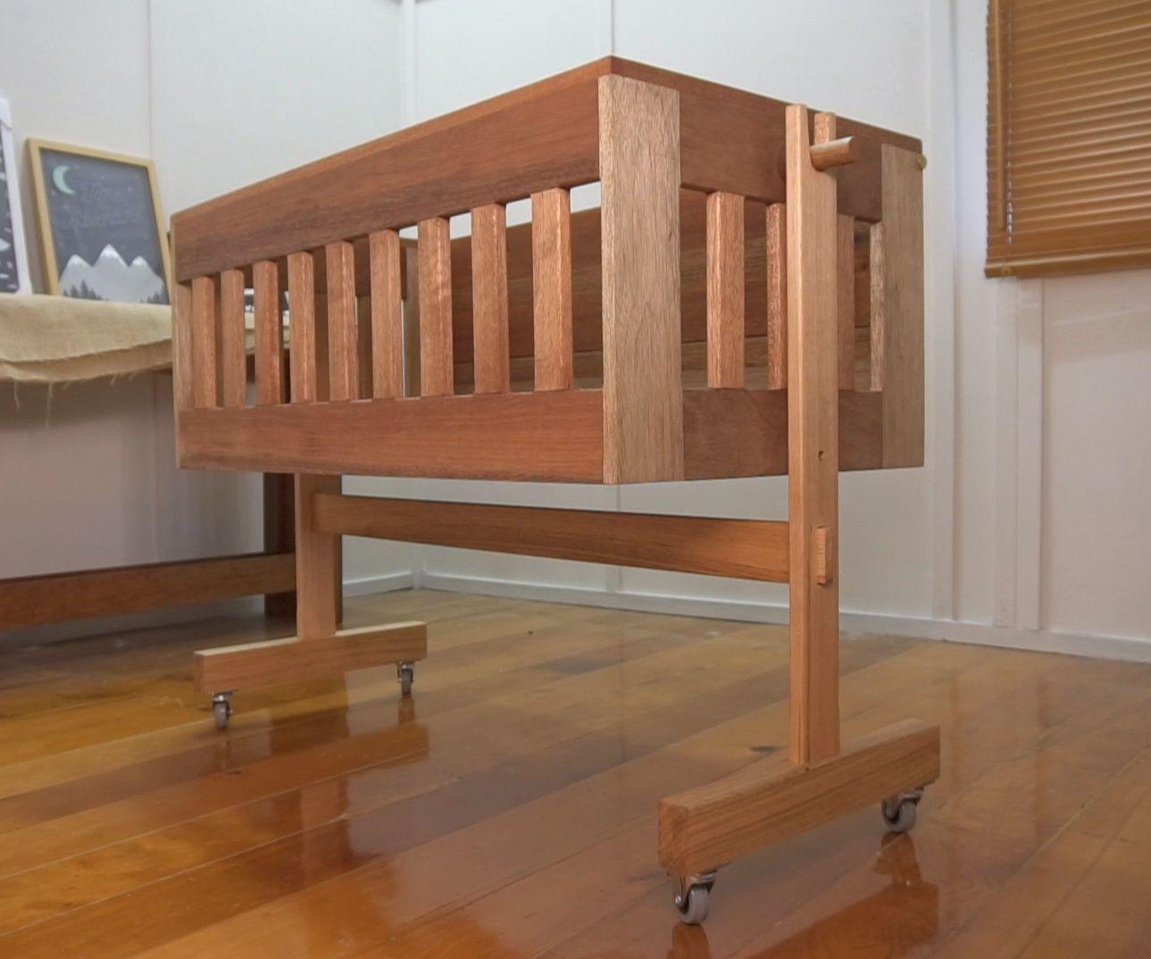Mobile Baby Crib / Cosleeper