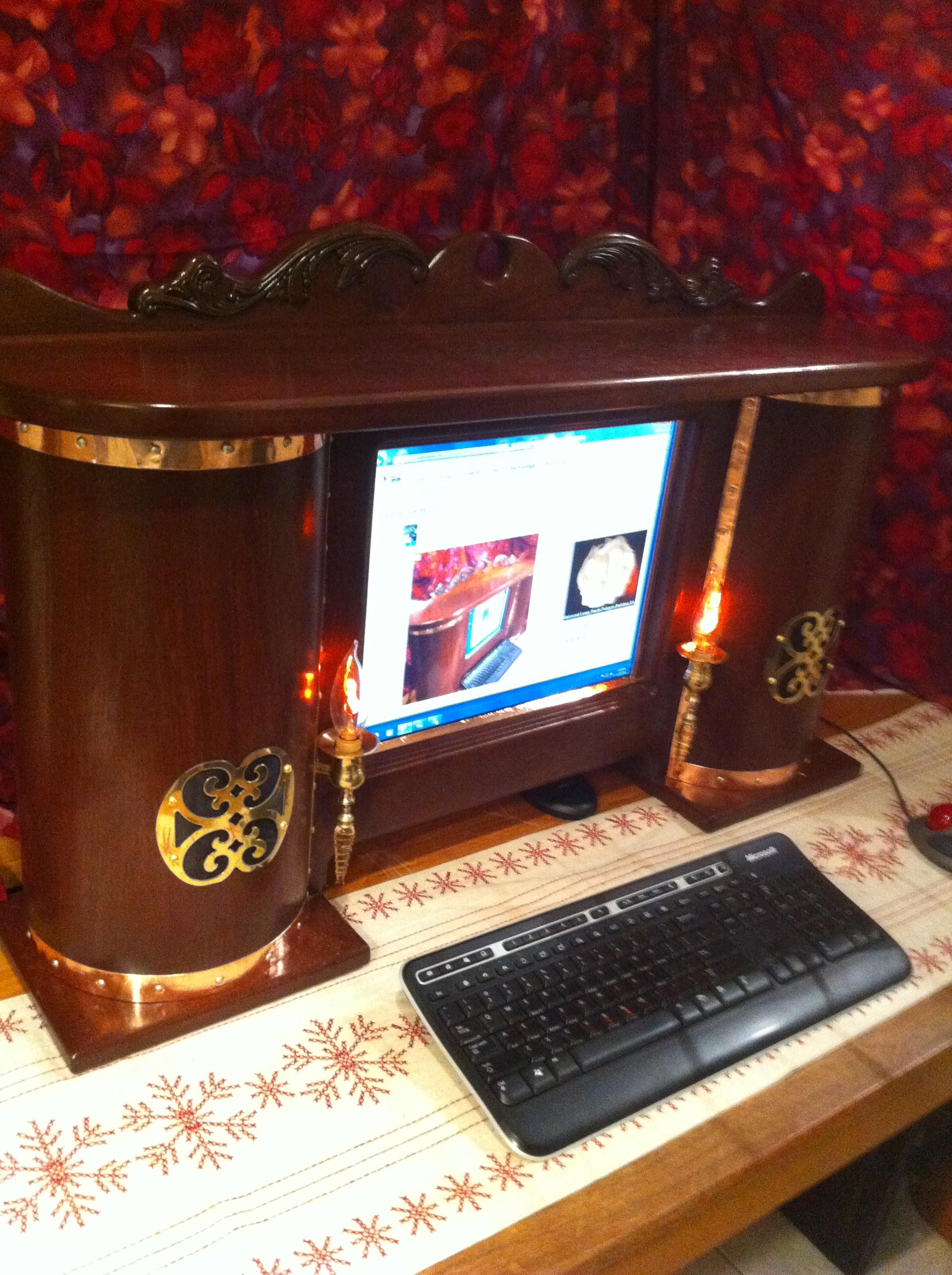 Steampunk computer Monitor