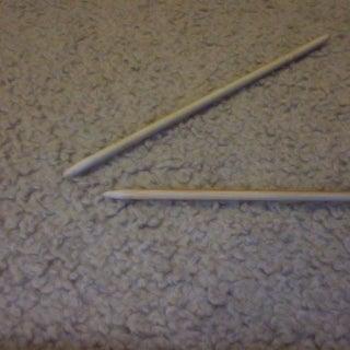 Turn Disposable Chopsticks Into Knitting Needles