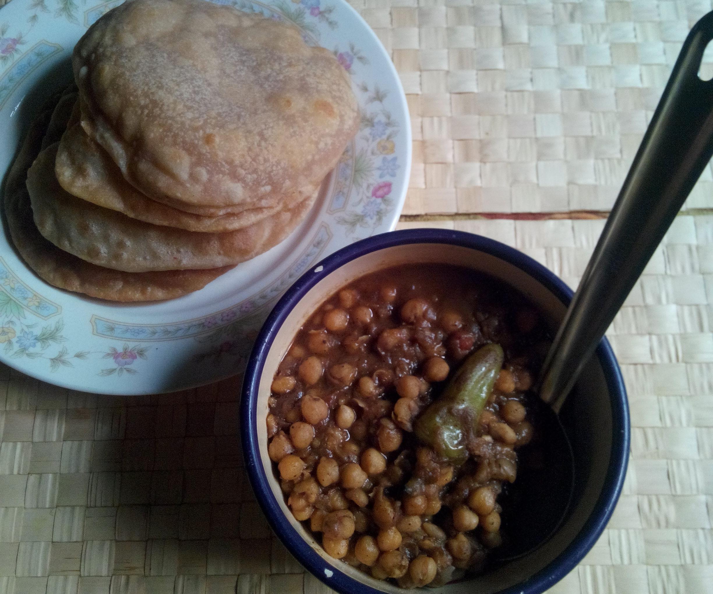 cholay bhatura