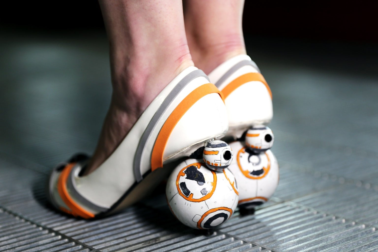 Don't Be Late, BB-8