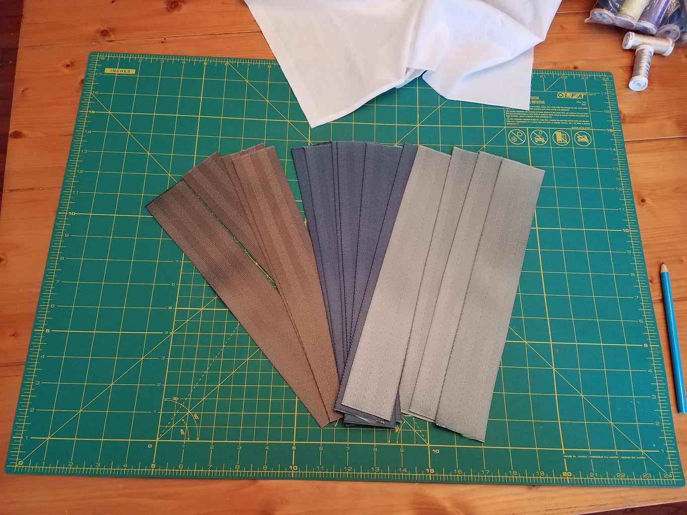 Cut Initial Seatbelt Material for Front and Back of Bag