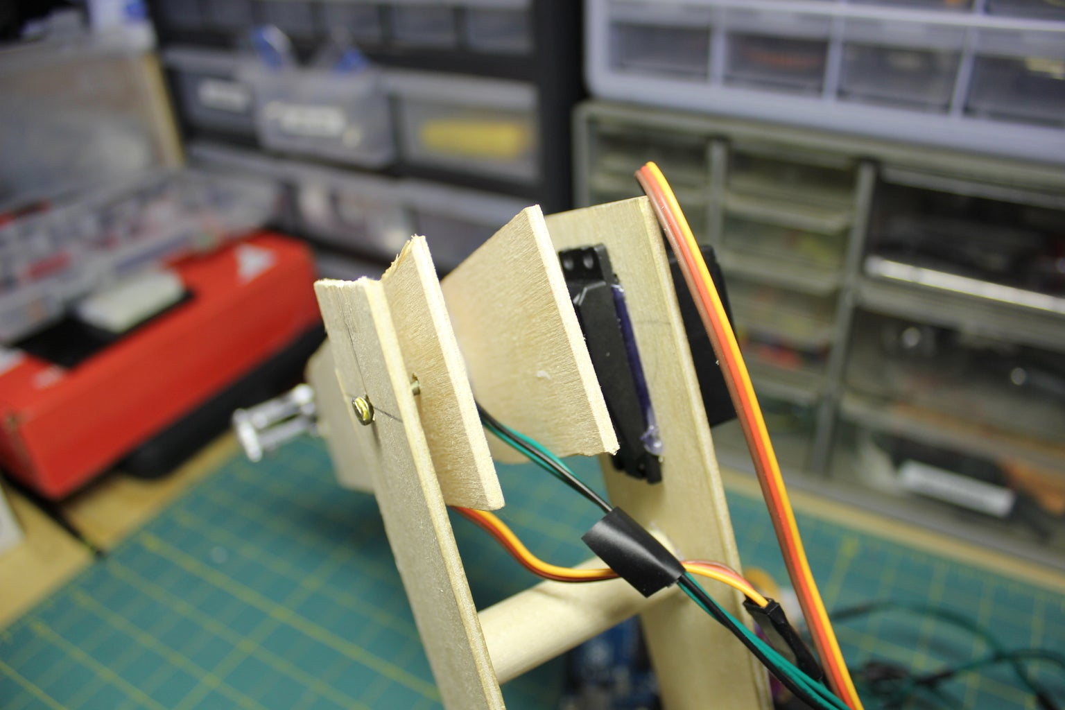 Easy and Simple Arduino Robot Arm