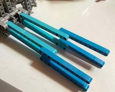 Building the Lego Car: Center Body Section