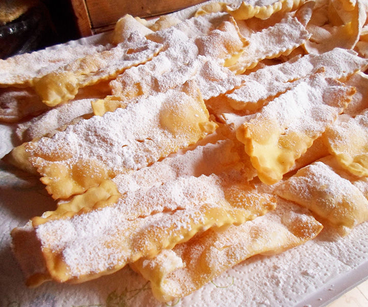Sfrappole (also known as Chiacchiere)