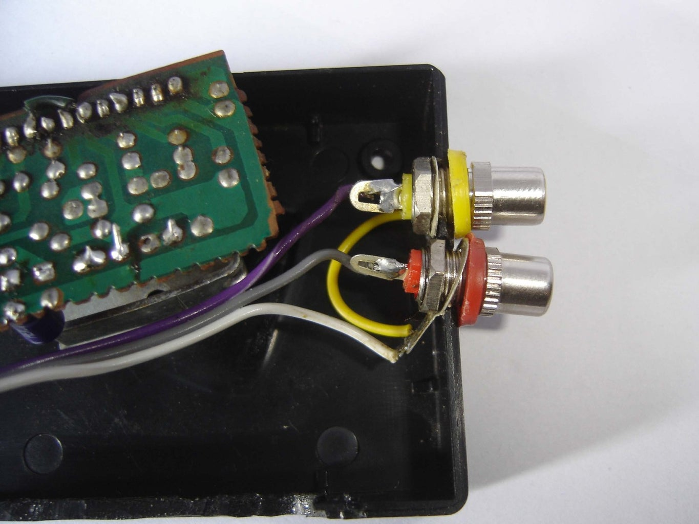 Connection of RC Audio Pins