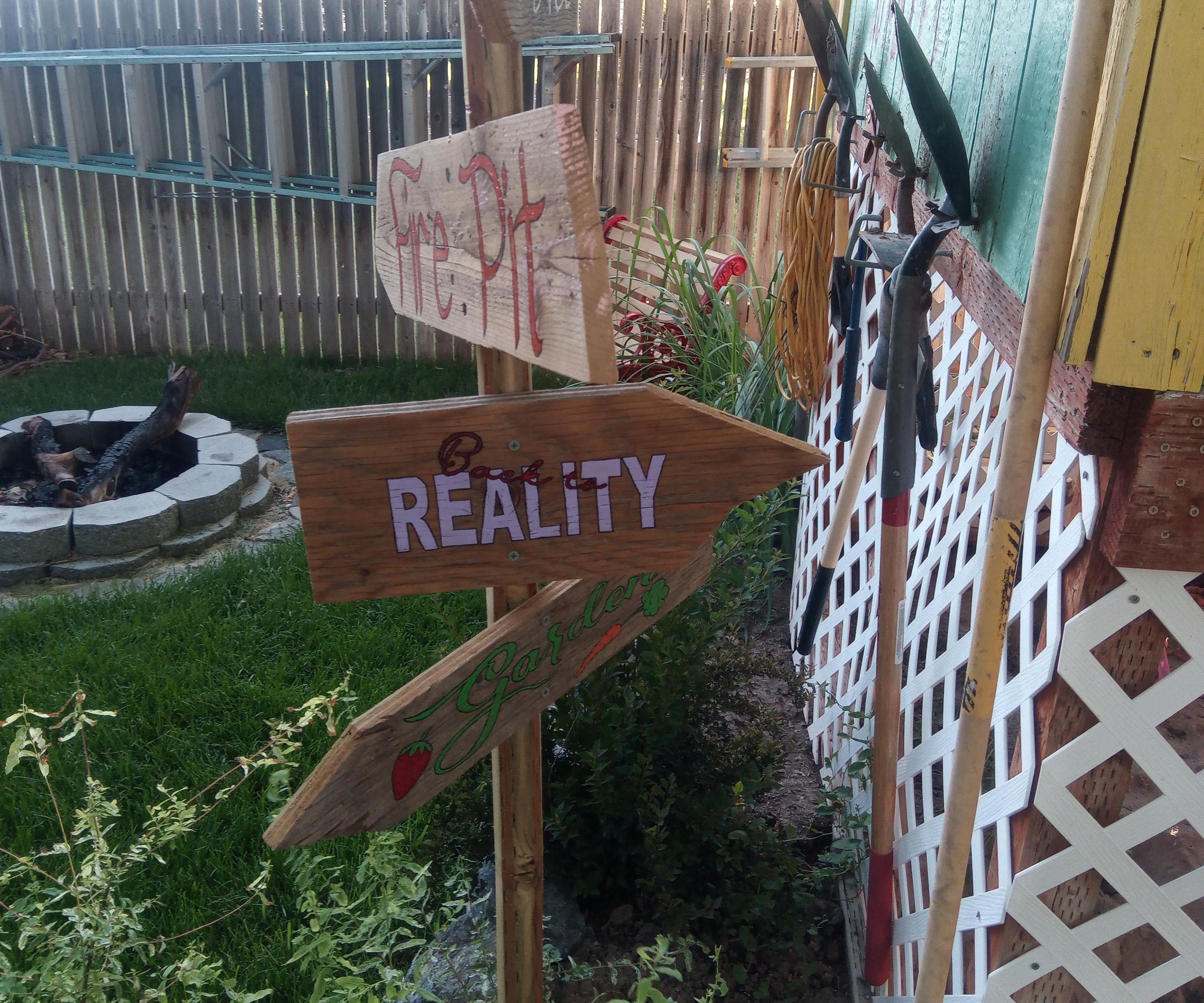 Yard Signpost
